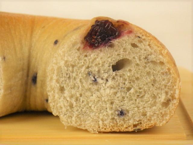 コストコ ブルーベリーベーグルの果肉部分