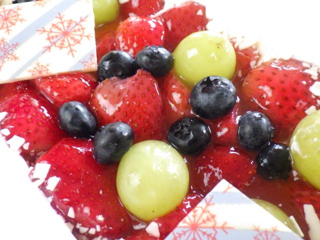 コストコのホリデーフルーツフロマージュケーキの表面