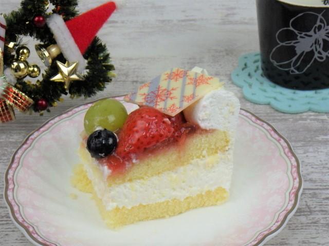 コストコのホリデーフルーツフロマージュケーキの1カット
