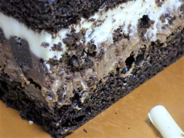 コストコのタキシードケーキの層
