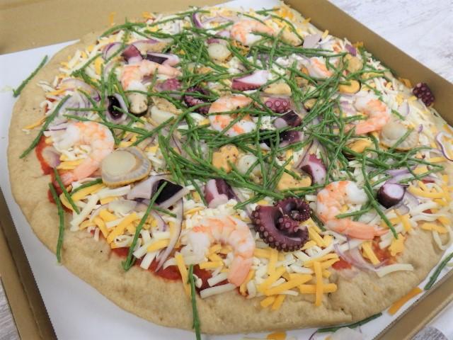 コストコのフルッティディマーレピザの箱を開けた様子
