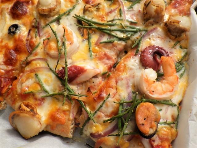 コストコのフルッティディマーレピザを焼いた様子