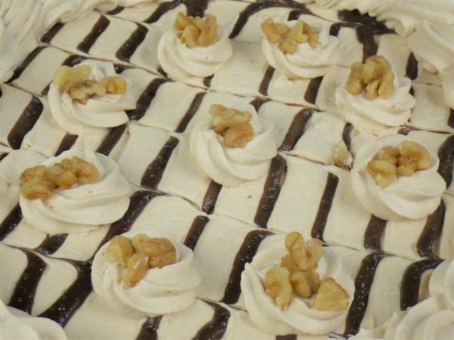 コストコのチョコレート&プラリネタルトの表面
