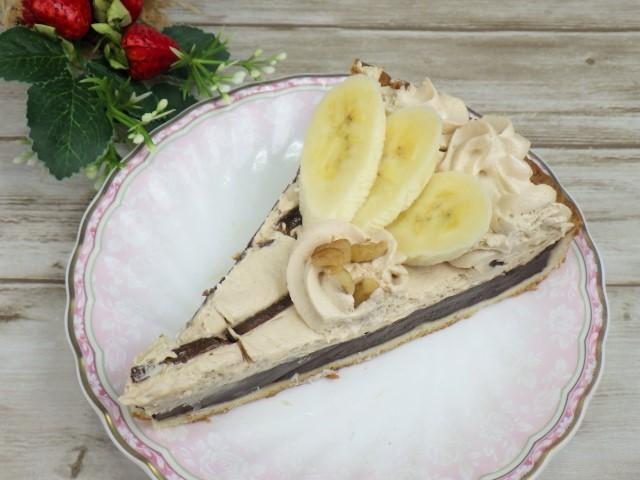 コストコのチョコレート&プラリネタルトにバナナをのせてアレンジ