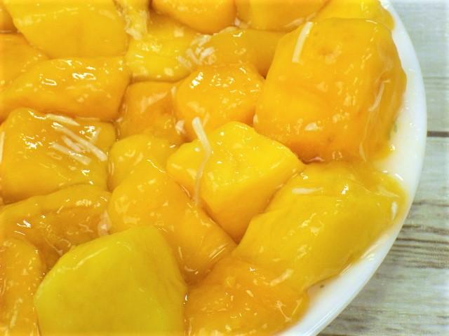 マンゴームーススコップケーキのココナッツ