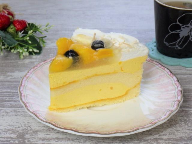 マンゴームーススコップケーキの三角カット