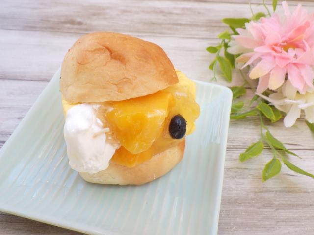マンゴームーススコップケーキのフルーツサンドアレンジ