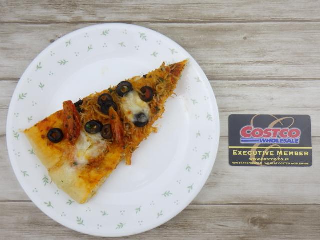 コストコの遠州しらすピザの1カット
