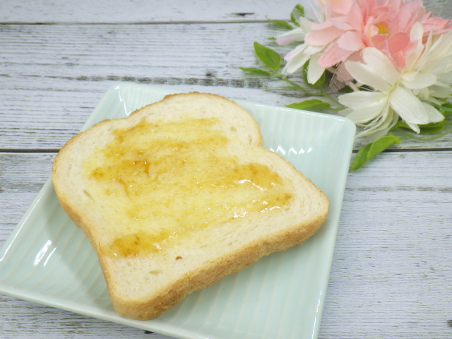 コストコのメニセーズ プラチナパンのバターはちみつアレンジ